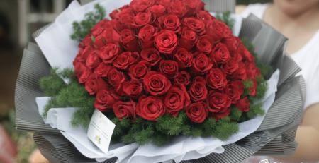 cách tặng hoa 20/10 cho nàng khi ở xa
